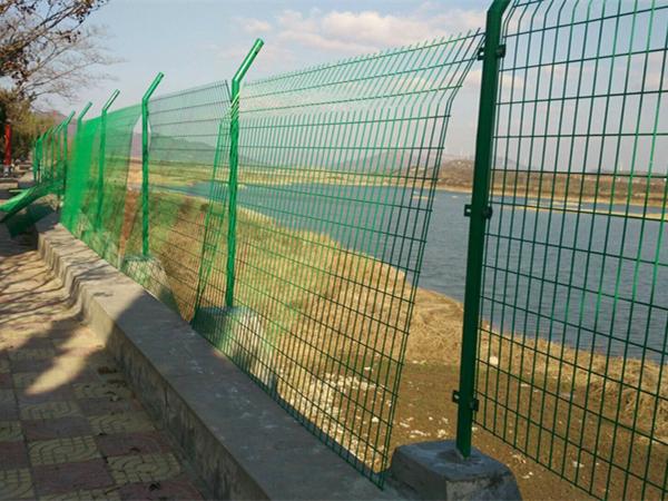 双边丝护栏案例